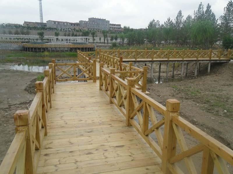 山东防腐木木桥安装